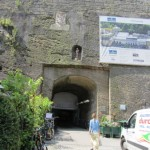 der Eingang zum Parkhaus
