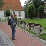 vor der Büsumer Kirche